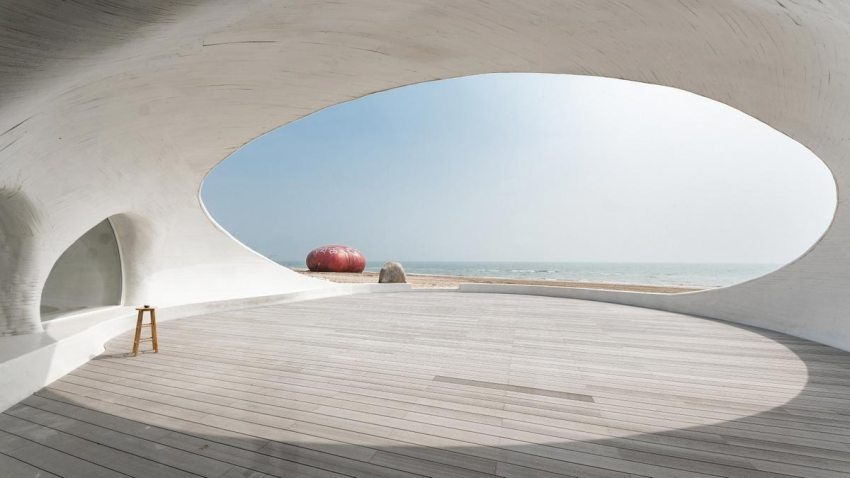 Opening to the sea through the dunes - UCCA Dune Art Museum / OPEN Architecture