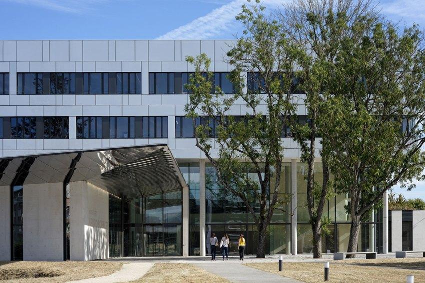 The Campus Plateau de Paris Saclay Dietmar Feichtinger Architectes Main Access Boureau