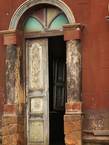 Lagrande-mosquee-de-porto-novo-au-Benin-patrimoine-darchitecture-afro-bresilienne-8