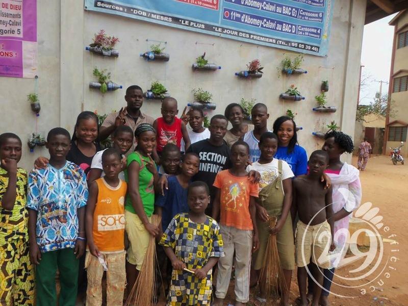 BENIN.developpement-durable-un-jardin-mural-par-lassociation-229-efficience-1
