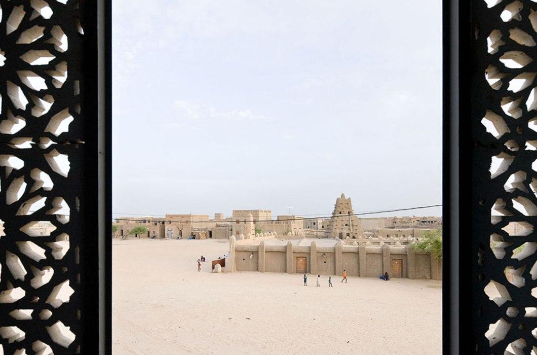 mali-tombouctou-institut-ahmed-baba-par-dhk-architectes-4