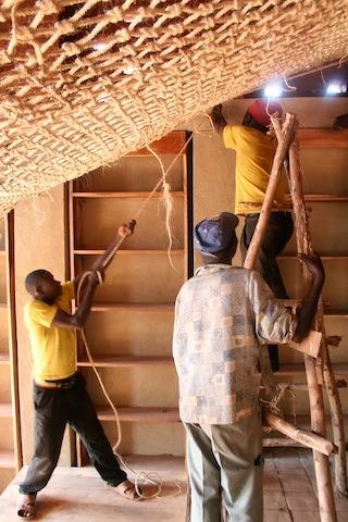 en-images-la-recherche-sur-les-materiaux-de-la-bibliotheque-de-muyinga-au-burundi-par-bc-architects-30