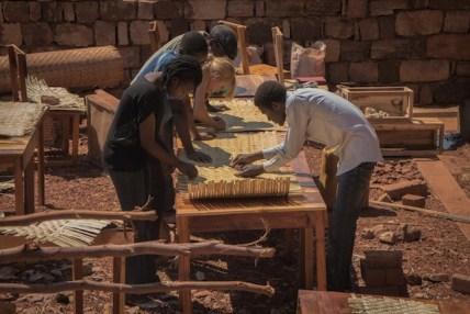 en-images-la-recherche-sur-les-materiaux-de-la-bibliotheque-de-muyinga-au-burundi-par-bc-architects-36