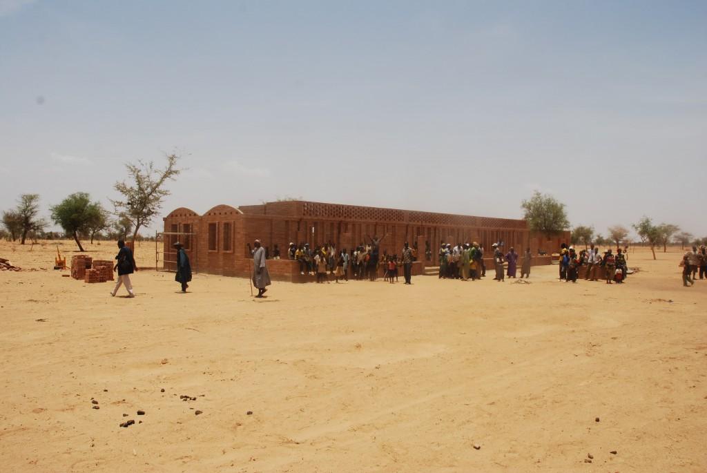 mali-gangouroubou-ecole-primaire-au-pays-dogon-par-levs-architecten-29