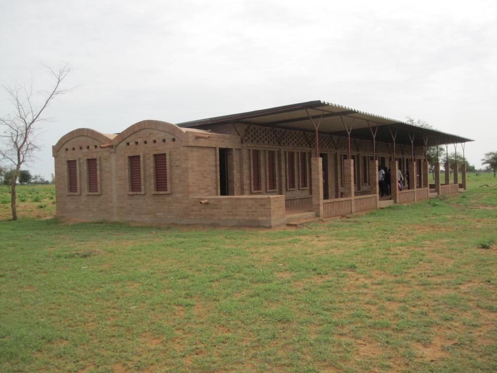 mali-gangouroubou-ecole-primaire-au-pays-dogon-par-levs-architecten-34