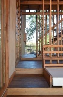 sous-les-voiles-a-nosy-be-madagascar-par-sceg-architects-9