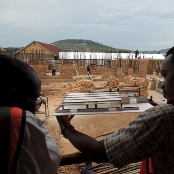 du-japon-a-louganda-des-briques-de-terre-pour-la-residence-universitaire-ashinaga-uganda-par-terrain-architects18