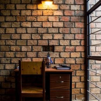 du-japon-a-louganda-des-briques-de-terre-pour-la-residence-universitaire-ashinaga-uganda-par-terrain-architects27