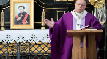Abp Ryś: czy miłość jest fundamentem twojego działania? – Msza św. przy grobie bł. Rafała Chylińskiego
