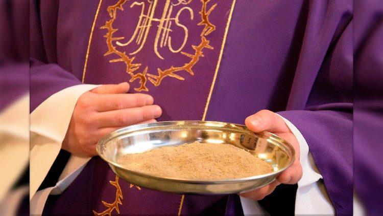 Le Pape invite à un Carême d'espérance vive et de charité active