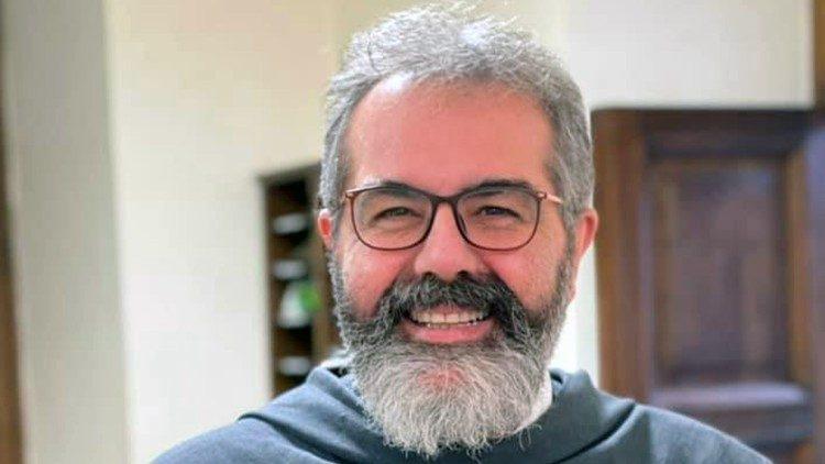 Le père Stoia inaugure son ministère comme curé de la basilique Saint-Pierre
