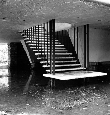 Fallingwater Ruth and Rick Meghiddo, 1971. All Rights Reserved.