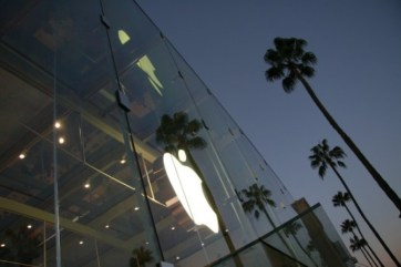 Apple Store, Santa Monica. Copyright Ruth and Rick Meghiddo, 2016. All Rights Reserved.