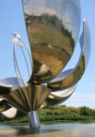 """""""Floralis Genérica"""". Copyright Ruth and Rick Meghiddo, 2008. All Rights Reserved."""