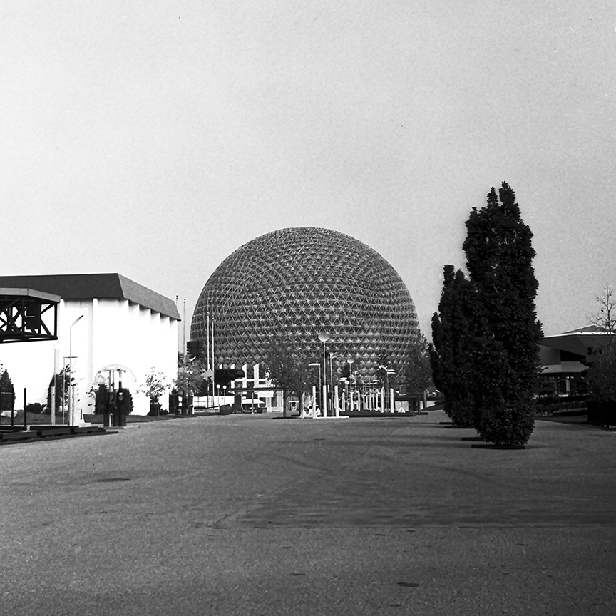 Biosphere Dome, 1967. Architect: Buckminster Fuller. Photo: R&R Meghiddo.