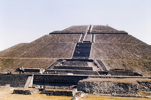Teotihuacan, 100 BCE-550 CE. Photo: R&R Meghiddo.