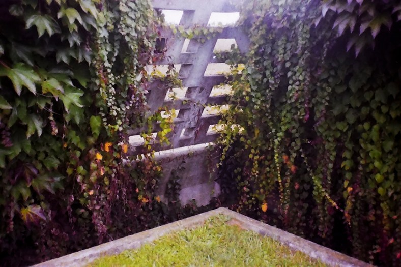 Treviso - Brion Cemetery - © R&R Meghiddo, 1996. All Rights Reserved.