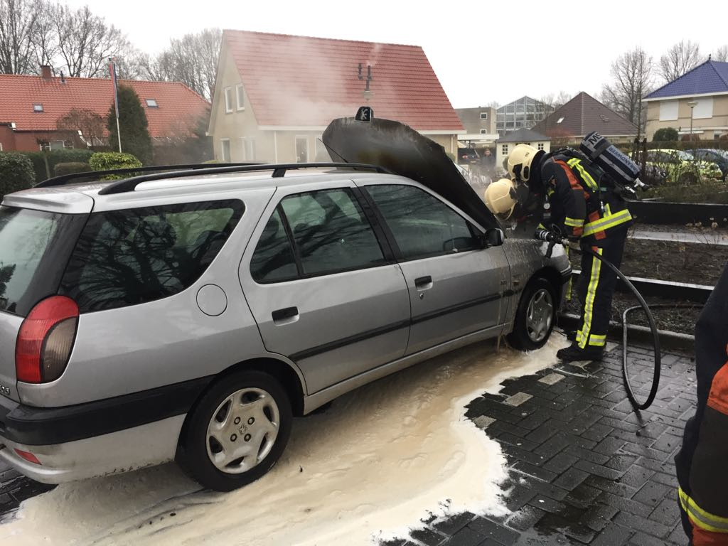 23-02-2017 autobrand Oostersingel Vlagtwedde