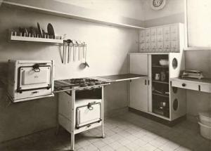 Abitazione di Gropius - Cucina con arredo di Marcel Breuer - Dessau 1925-26