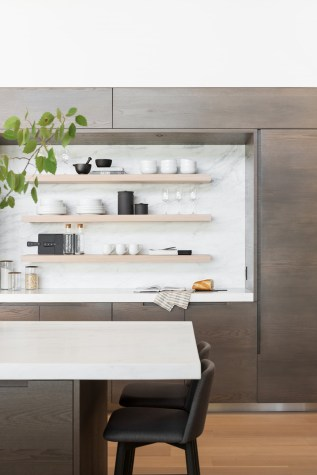 Swan Lake House [2020]: Exterior, Entry, Kitchen, Living, Kitchen