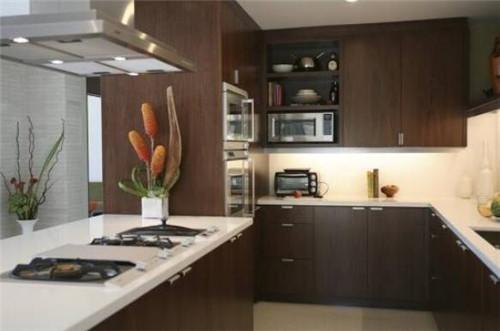 新中式開放式廚房怎麼裝修設計好呢?【深色木質風格2020】