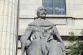 legislature_statues_dufferin_lge