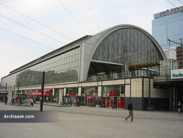 bahnhof_alexanderplatz2_lge