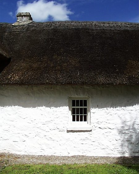 thatched_cottage_detail_lge