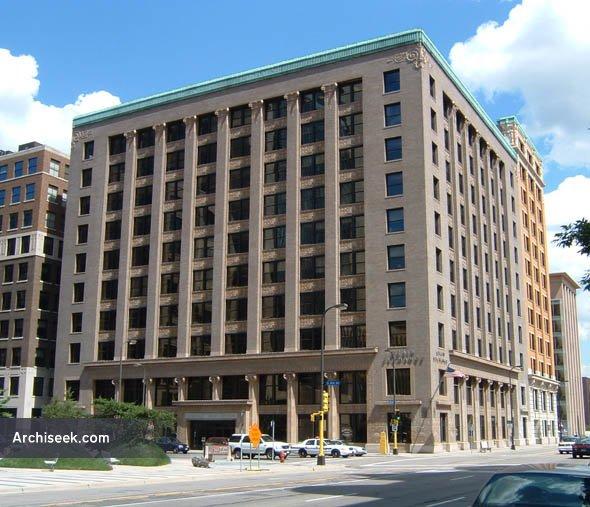 Minneapolis_Grain_Exchange_lge