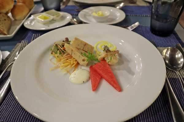 ジェットウィング ライトハウス カルダモン カフェ レストラン 食事