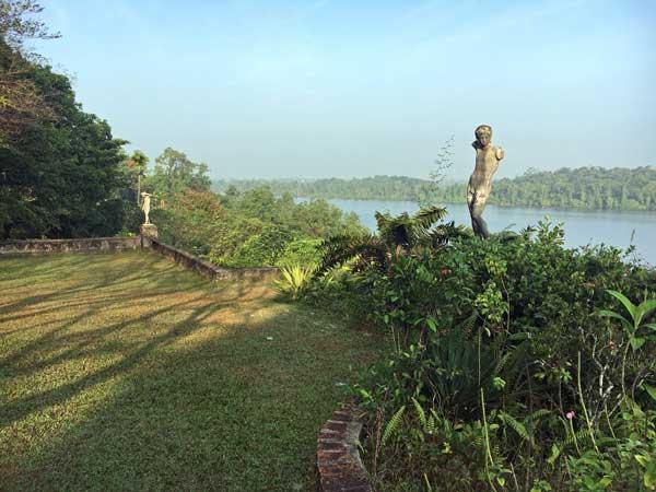ルヌガンガ 庭園 lunuganga ジェフリーバワ geoffrey bawa