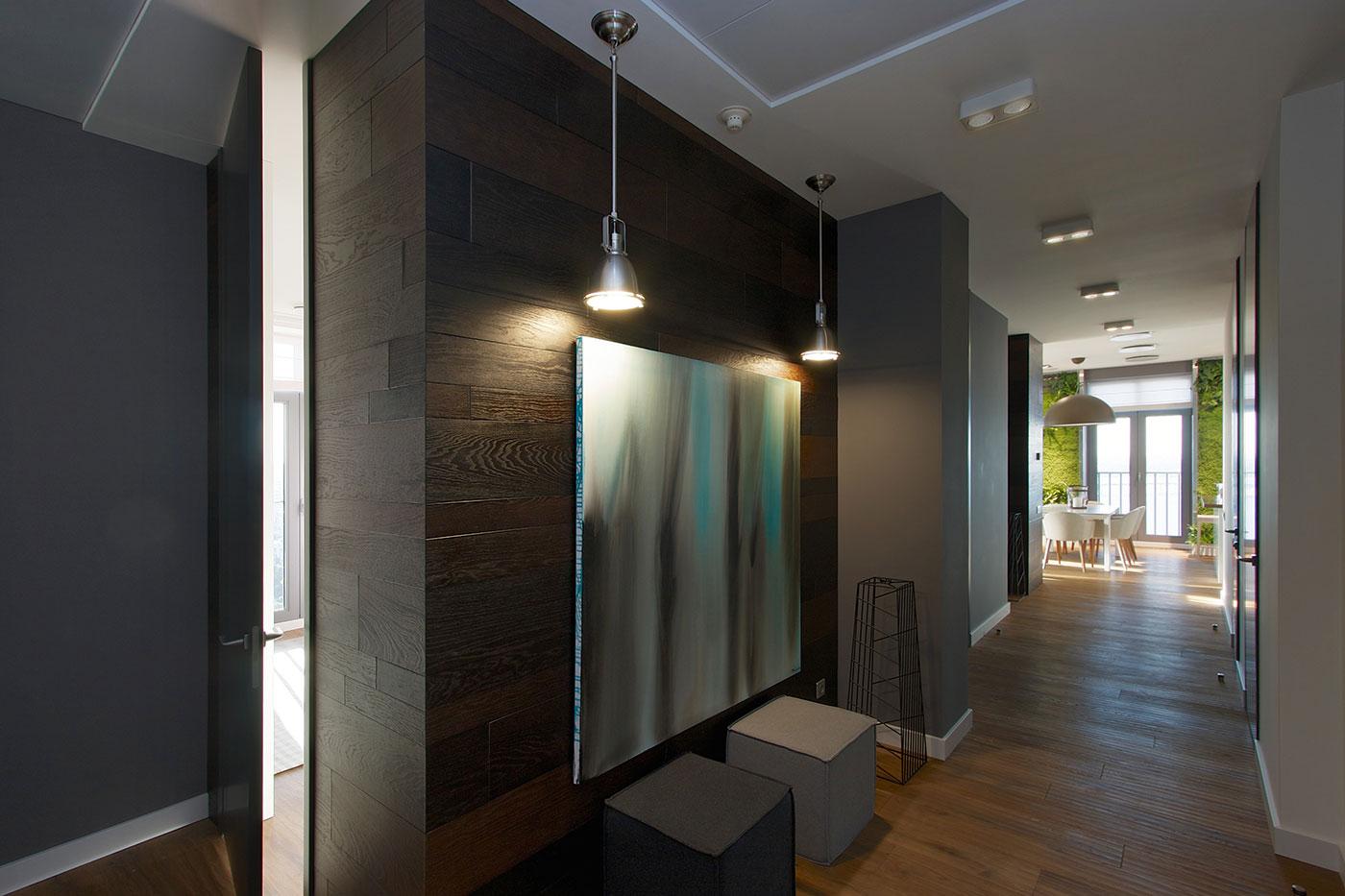 Modern Apartment Design: Green Walls By SVOYA