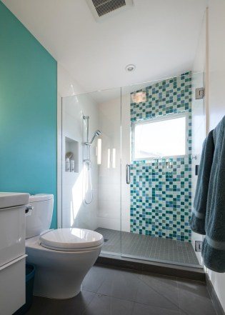 Modern Shower With Vertical Mosaic Tiles And Wall Contemporary Bathroom Turquoise Accent Glass Door Green Tile Decoration