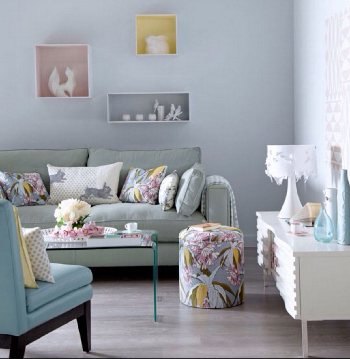 Stylish Living Room Light Blue Walls Living Room Design