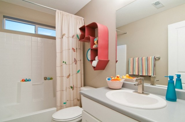 Contemporary Kids Bathroom Design