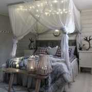Farmhouse Canopy Bed With Lighting