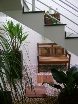 Take Advantage Of Bottom Appliances For Indoor Garden Designs
