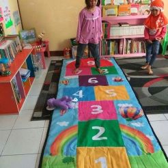 Traditional Games for Creative Ideas for Playground at Home