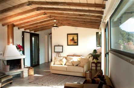 Family Room for Rustic-style Luxury House Design