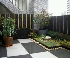 Indoor Garden for Utilization of Corner Space in the House