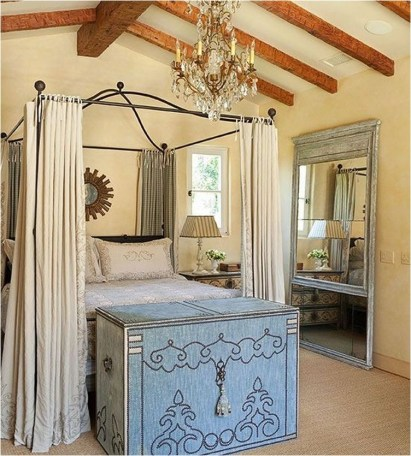 Mediterranean Bedroom With Italyan Style Furniture Ideas