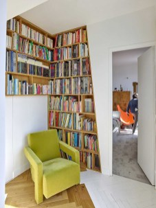 Reading Room for Utilization of Corner Space in the House
