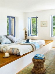 Simple Mediterranean Beach House Ideas