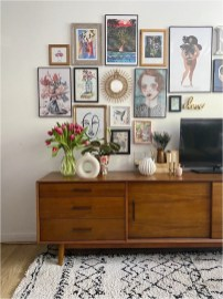Wall Gallery With Accessories