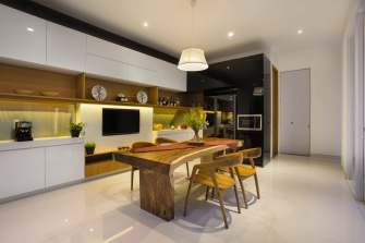 Elegant Atmosphere for Open Style Dining Room