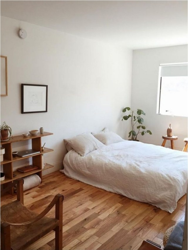 2 Simple Bedroom Decorations With Floor Bed And Wood Floor