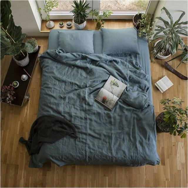 4 Green Floor Bedroom With Wood Floor And Plant Decorations