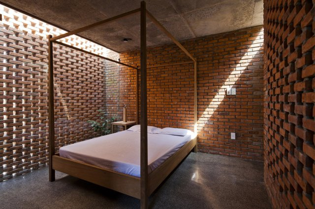 Sauna Atmosphere for Bedroom with Brick Accents
