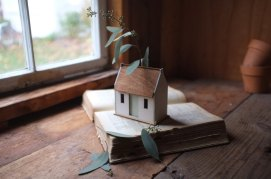 Flower Vase for Wooden House Decor Inspiration You Must Know