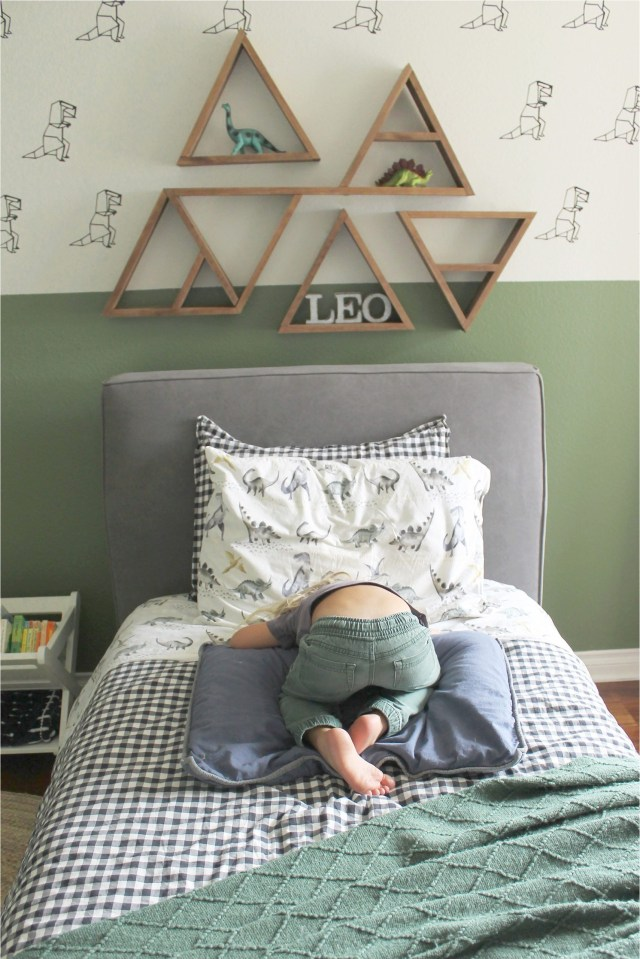 Simple Green Bedroom For Kids